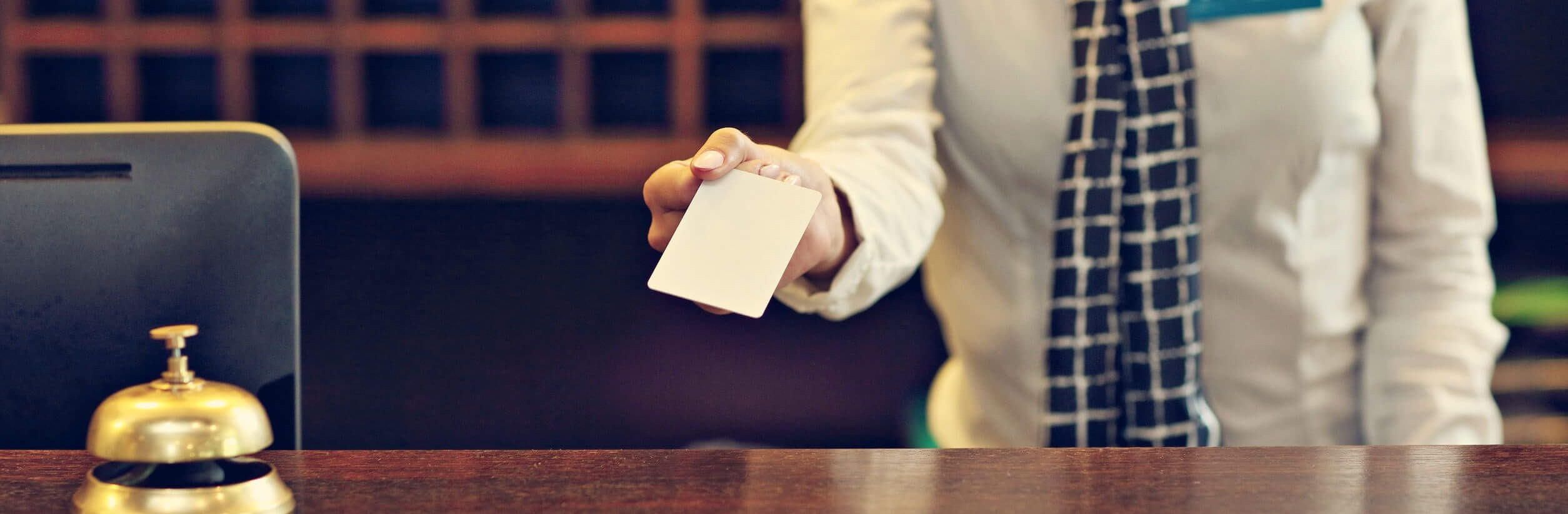Hotelska kartica_Pametna kartica_kontrola pristopa_rfid kartica_mifare kartica_Andivi
